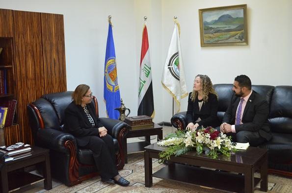 وفد من السفارة الامريكي في العراق يزور كلية الهندسية